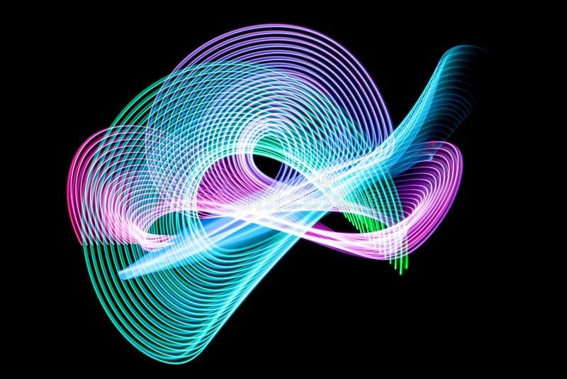 Dark bakgrund av glödande ljus shap för färgrikt neon vektor illustrationer