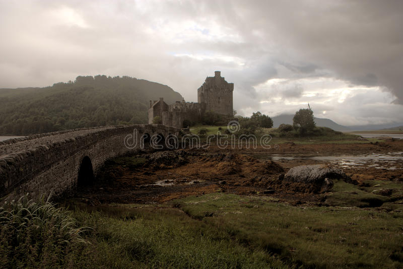 Download Dark Eilean Donan Castle - HDR Image Stock Photo - Image of highlander, mysterious: 15489164