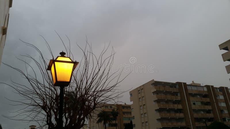 Dark en licht stock fotografie