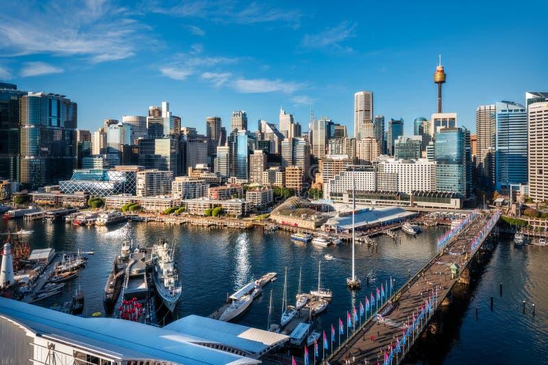 Darling Harbour Waterfront in Sydney, Australien, während klaren Sydneys in der Tageszeit stockbild