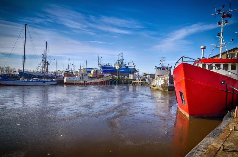 Darlowo港口在冬天 库存图片