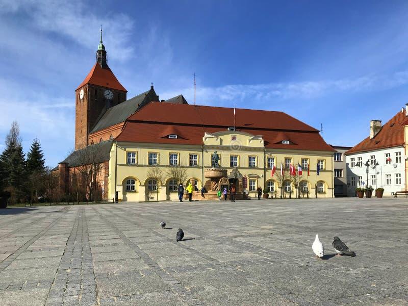 Darlowo Polen, stadfyrkanten i den tidiga våren 2019 fotografering för bildbyråer