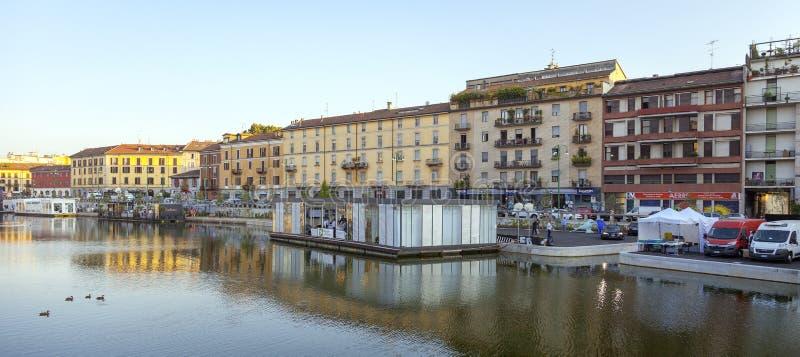 Darsena, de stad van Milaan, de zomernacht Het beeld van de kleur royalty-vrije stock foto