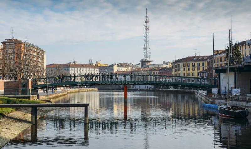 Darsenadi Milaan, wat Milaan betekent dokt waar Navigli Pavese en Navigli Grande in een Boheems deel van stad samenkomen, frequen royalty-vrije stock fotografie