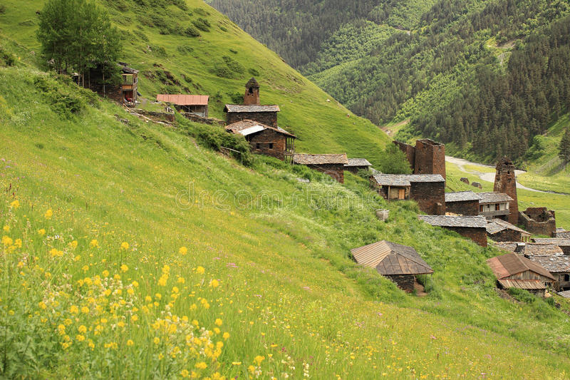 Dartlo by Tusheti region (Georgia) arkivbilder