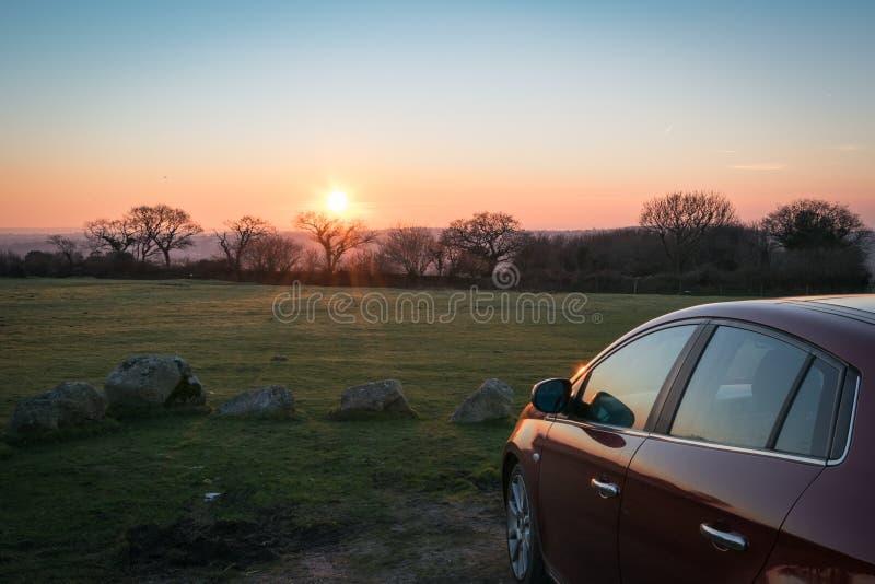 Dartmoor drev på solnedgången royaltyfri bild