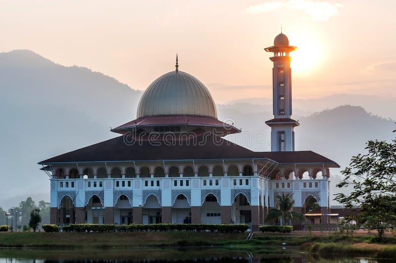 Darul-Quran-Moschee, in der Morgensonne stockbild