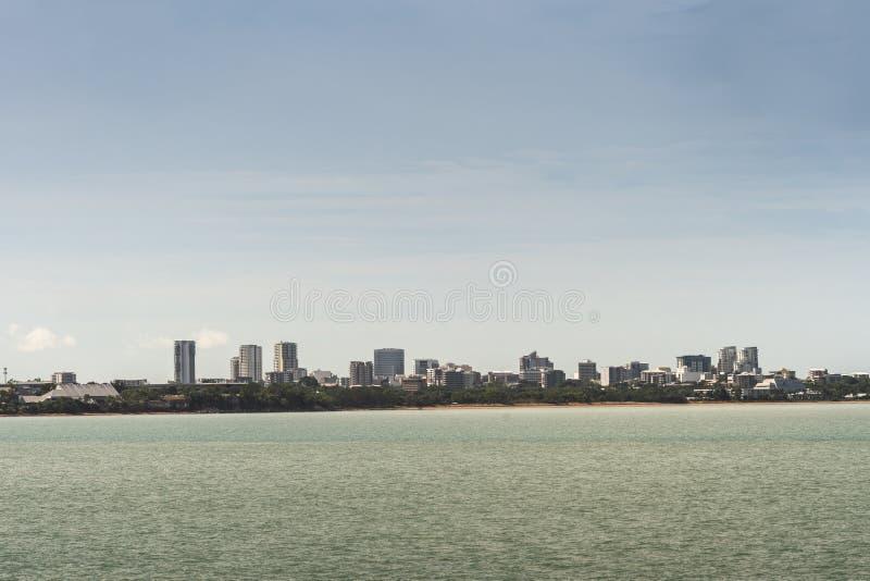 Darwin Skyline som ses fr?n ?stlig punkt, Australien arkivbilder