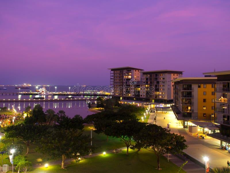 Darwin Waterfront på solnedgången, Australien royaltyfria bilder