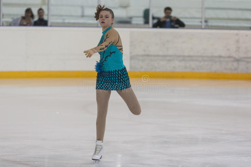Darya Sopko dalla Russia esegue il programma pattinante libero delle ragazze della classe V dell'oro sul campionato nazionale di  immagini stock
