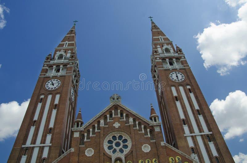 Das Äußere der Votive Kirche in Szeged, Ungarn stockfotos