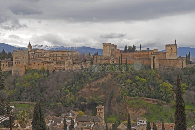 Das Alhambra, ein Palast und Festungskomplex, die in Granada, Andalusien gelegen sind, Spanien errichteten in der Mitte des 13. J stockbild