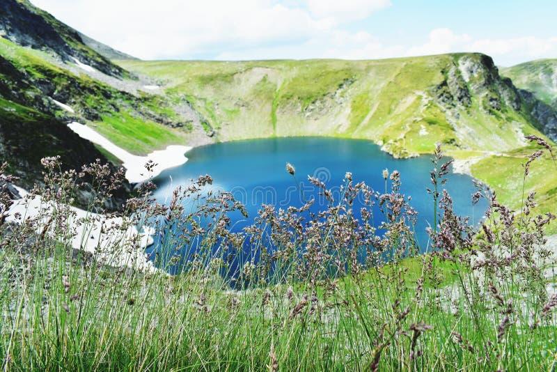 Das Auge der sieben Rila Seen stockbilder