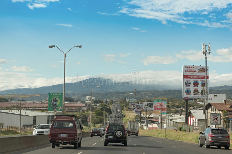 Das Autopista 1 Bernardo Soto nahe dem Flughafen von San Jose, Costa Rica lizenzfreies stockbild