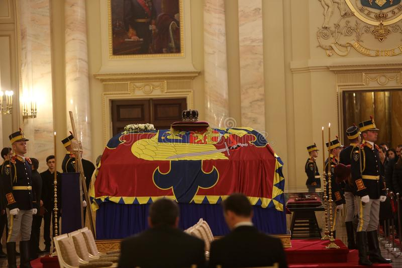 Das Begräbnis von König Michael I von Rumänien stockbild