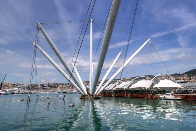 Das Bigo im Kanal von Genua, Italien stockbilder