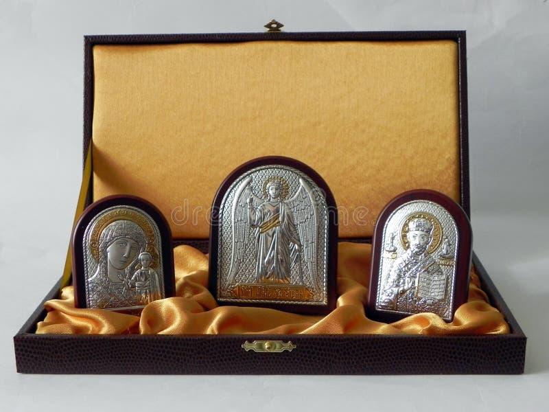 Das Bild des Heiligen im Bild Ikone in einem schönen Geschenksatz Details und Nahaufnahme stockfoto