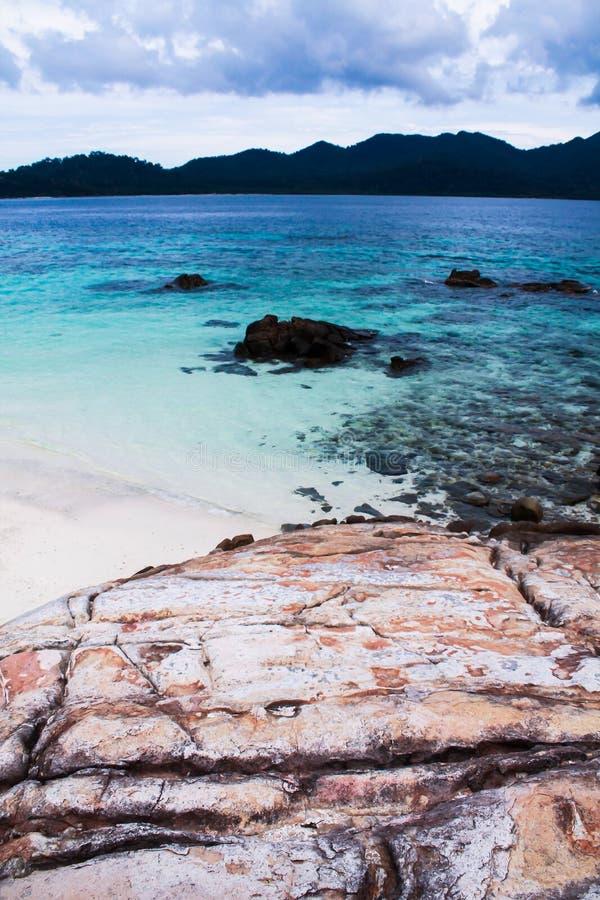 Das blaue Meer lizenzfreie stockbilder