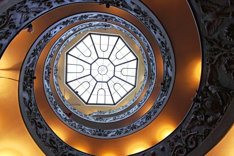 Das Bramante-Treppenhaus lizenzfreies stockbild
