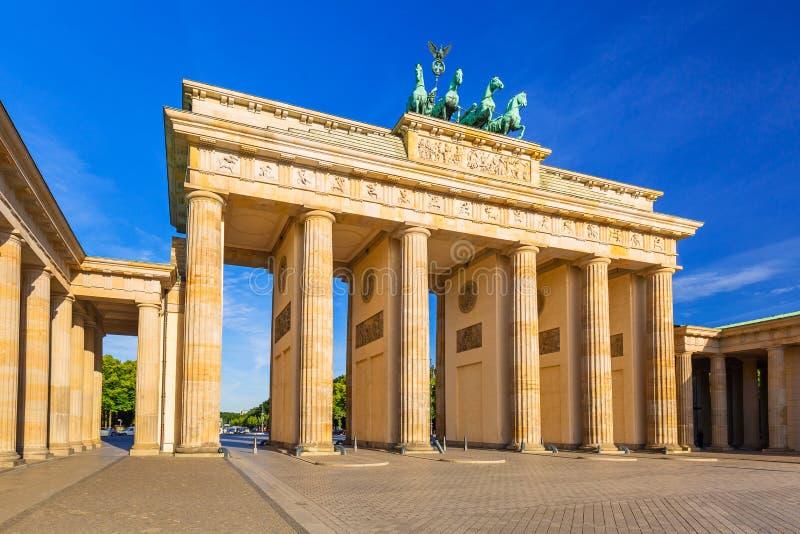 Das Brandenburger Tor in Berlin lizenzfreie stockfotografie