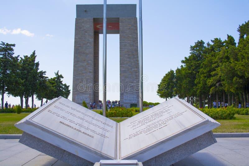 Das Canakkale-Märtyrer-Denkmal ist ein Kriegsdenkmal, das den Service von ungefähr türkischen Soldaten gedenkt stockbild