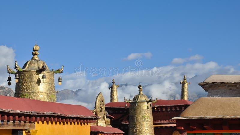 Das Dach des heiligen Jokhang Tempel Ê¥ï ¿ ½ ï ¿ ½ stockfotos