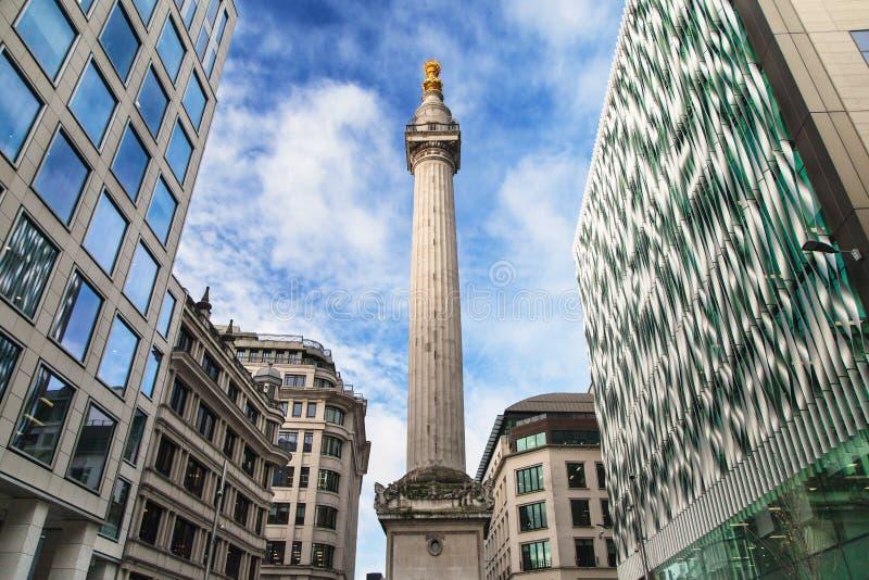 Das Denkmal zum gro?en Feuer von London stockfotos