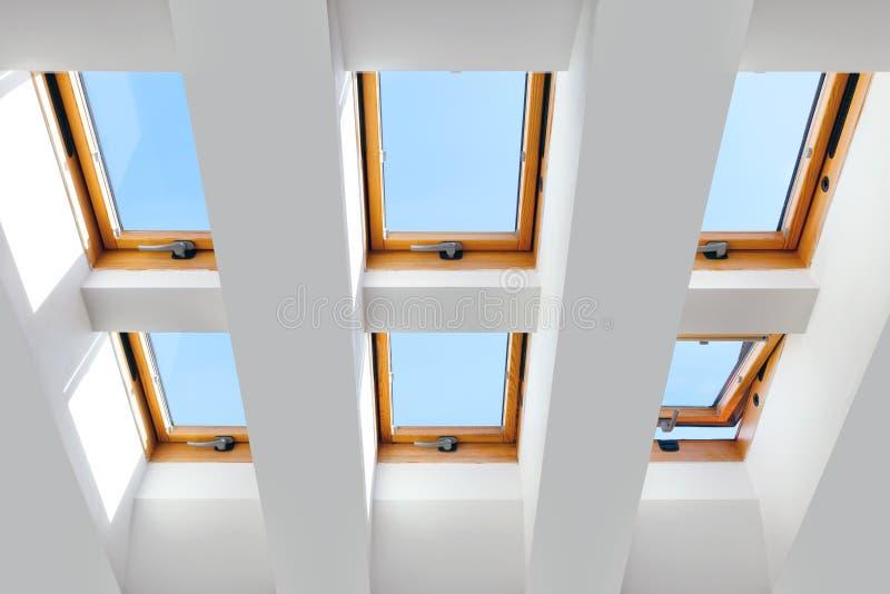 Das Design der sechs Oberlichtfenster stockbild