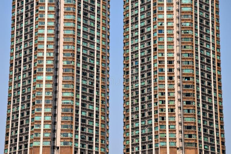 Das Detail des Wohngebäudes mit hoher Dichte in Hong Kong lizenzfreie stockfotografie