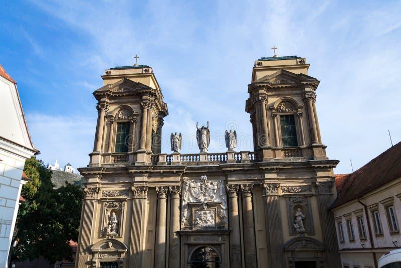 Das Dietrichstein Grab Kulturdenkmal mit der Kirche St. Anne, Naturschutzgebiet Heiliger Hügel mit Kapelle Sebastian lizenzfreies stockbild