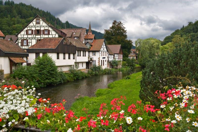 Das Dorf von Schiltach in Deutschland stockbild