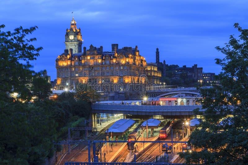 Das Edinburgh Waverley (Bahnstation) in Edinburgh stockfotografie