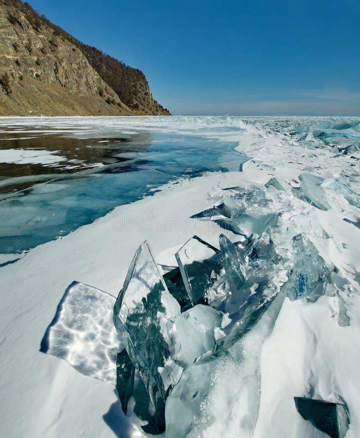 Download Das Einzigartige Eis Der Baikalsee Nahe Olkhon-Insel Stockbild - Bild von baikal, sibirien: 106802149