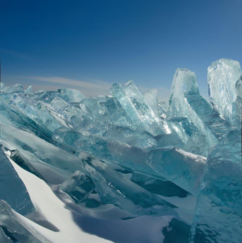 Download Das Einzigartige Eis Der Baikalsee Nahe Olkhon-Insel Stockfoto - Bild von extrem, baikal: 106802152