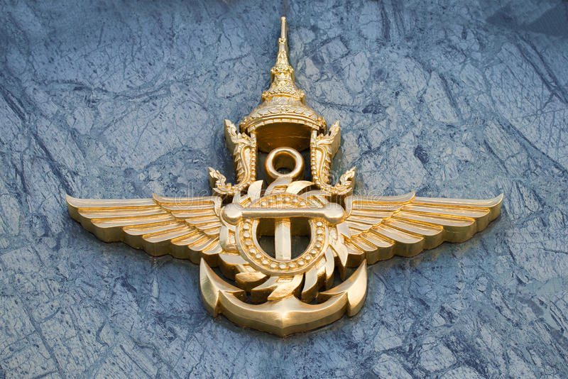 Das Emblem der thailändischen Nahaufnahme der bewaffneten Kräfte Fragment des Designs des Gebäudes vom Verteidigungsminister, Ban stockfotos
