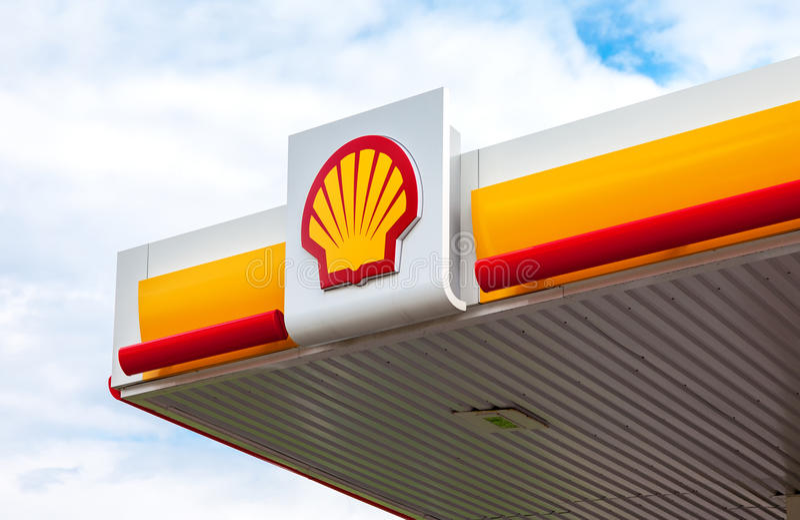 Das Emblem des Royal Dutch Shell Ölkonzerns Shell ist ein ANG stockfoto