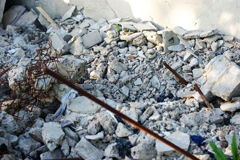 Das Erdbeben führte zum Einsturz des Hauses stockfoto