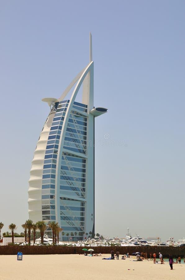 Das erste Luxushotel Burj Al Arab den mit sieben Sternen der Welt lizenzfreie stockfotografie