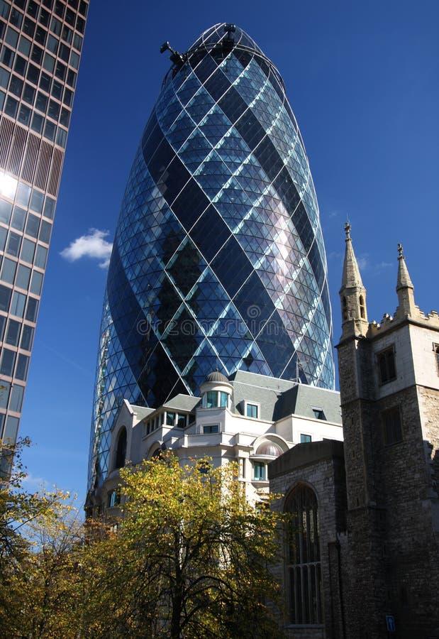 Das Essiggurke-Gebäude in London stockbild