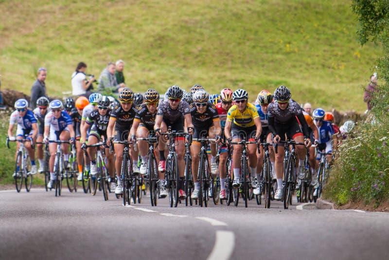 Das Fahrrad-Rennen der Frauen lizenzfreie stockfotografie