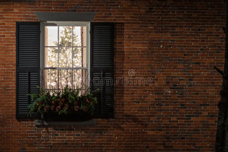 Das Fenster sagt frohe Weihnachten lizenzfreies stockfoto