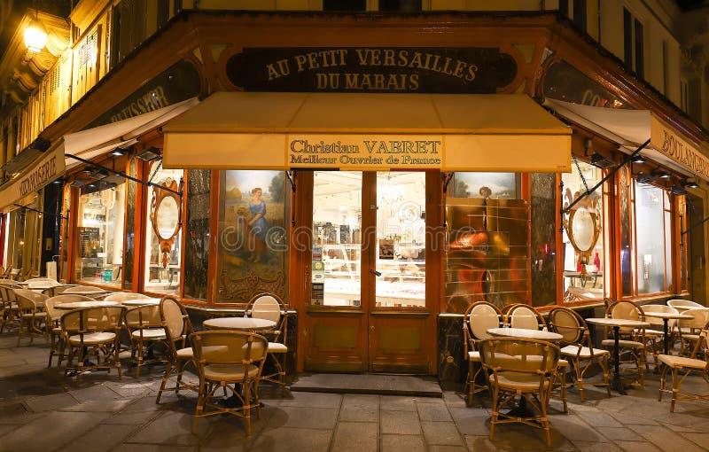Das französische traditionelle Bäckerei und Konditorei Au kleines Versailles du Marais gelegen in historischem Marais-Viertel an lizenzfreies stockfoto