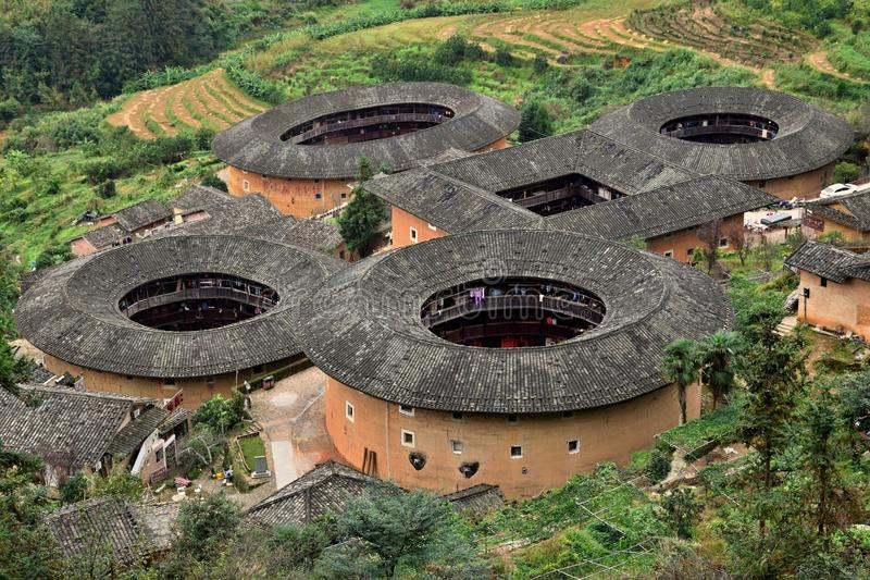 Das Fujian Tulou, die chinesische ländliche tönerne Wohnung einzigartig zur Hakkaminderheit in Fujian-Provinz in China stockfotos