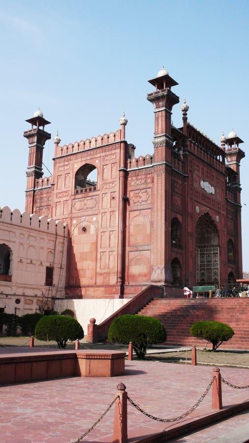 Das Gatter der Badshahi Moschee lizenzfreies stockfoto