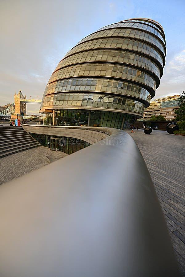 Das Gebäude hat eine ungewöhnliche, Knollenform, gesollt seine Fläche verringern und Energieeffizienz folglich verbessern stockbilder