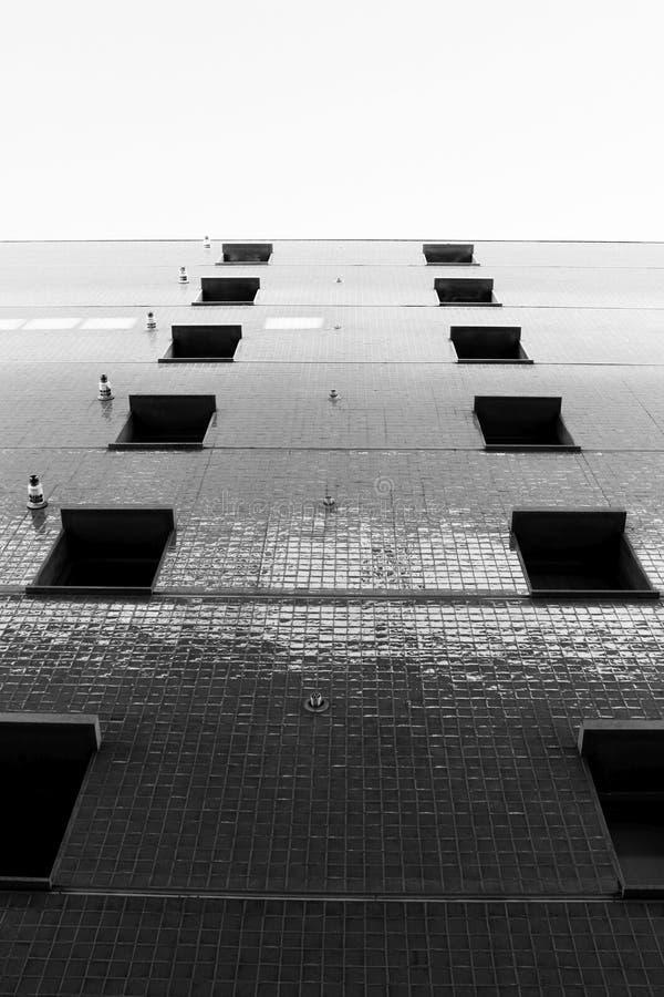 Das Gebäude und der Himmel lizenzfreies stockfoto