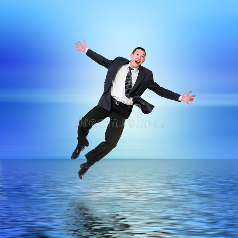 Das Geschäftsmann-Springen