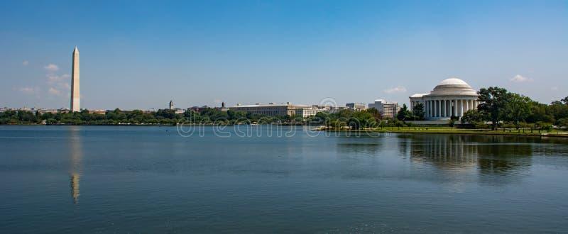 Das Gezeiten- Becken des nationalen Malls im Washington DC stockfotos