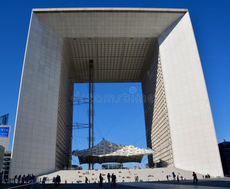 Das Grande Arche in der La-Verteidigung lizenzfreies stockbild