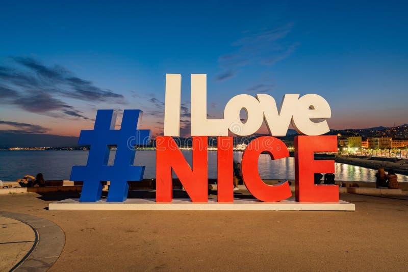 Das große hat das Umbauzeichen von i-Liebe Nizza lizenzfreie stockbilder